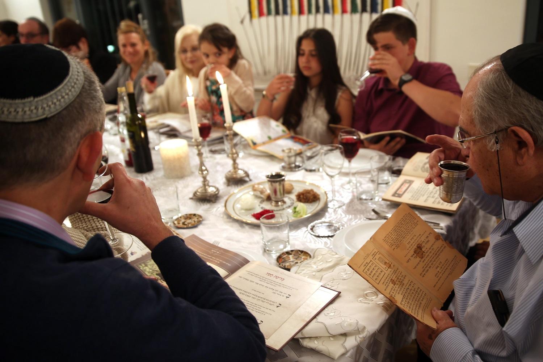 juden feiern das fest der freiheit fokus jerusalem. Black Bedroom Furniture Sets. Home Design Ideas