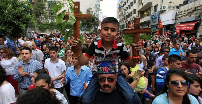 Orthodoxe Christen in Ramallah bei einer Oster-Prozession. Bild vom 19. April 2014. Quelle: Issam Rimawi / Flash90.